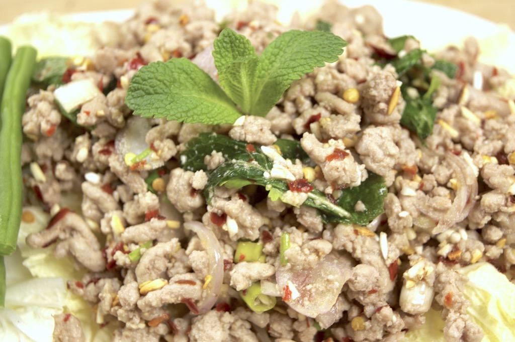 how to make Thai laab moo