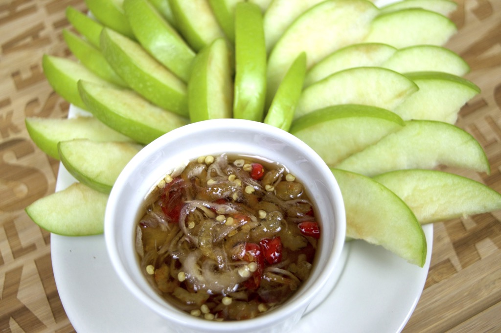 thai spicy fruit dip