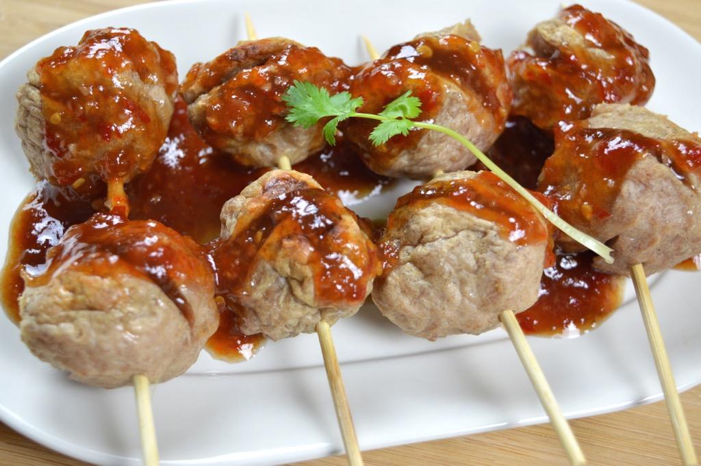 Thai Porkballs With Sweet Chilli Sauce 1