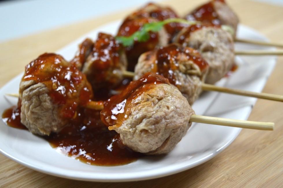Thai Street Cart Meatballs with sweet chilli sauce