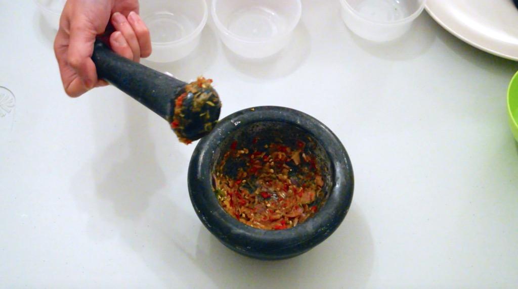 making the tamarind sauce 2