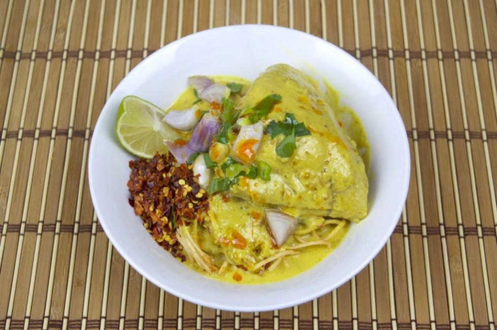 sauce egg noodles with rich chicken curry sauce khao soi khao soi ...