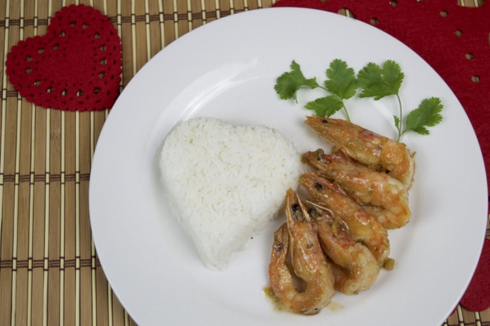 ... Fried Shrimp With Garlic And Pepper Recipe (Goong Kratiem Prik Thai