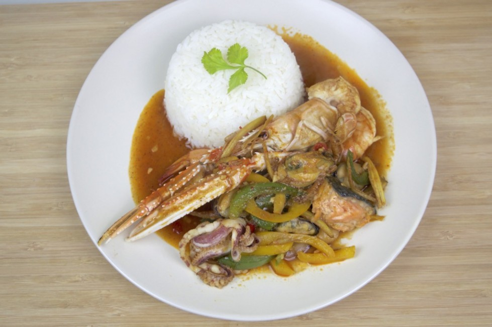 spicy mixed seafood stir fry