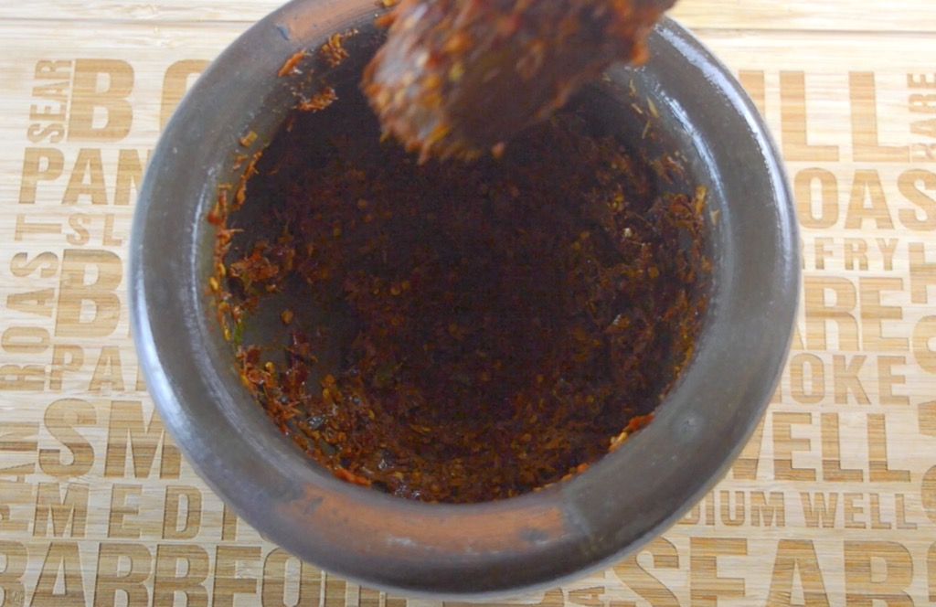 how to make kua gling curry paste