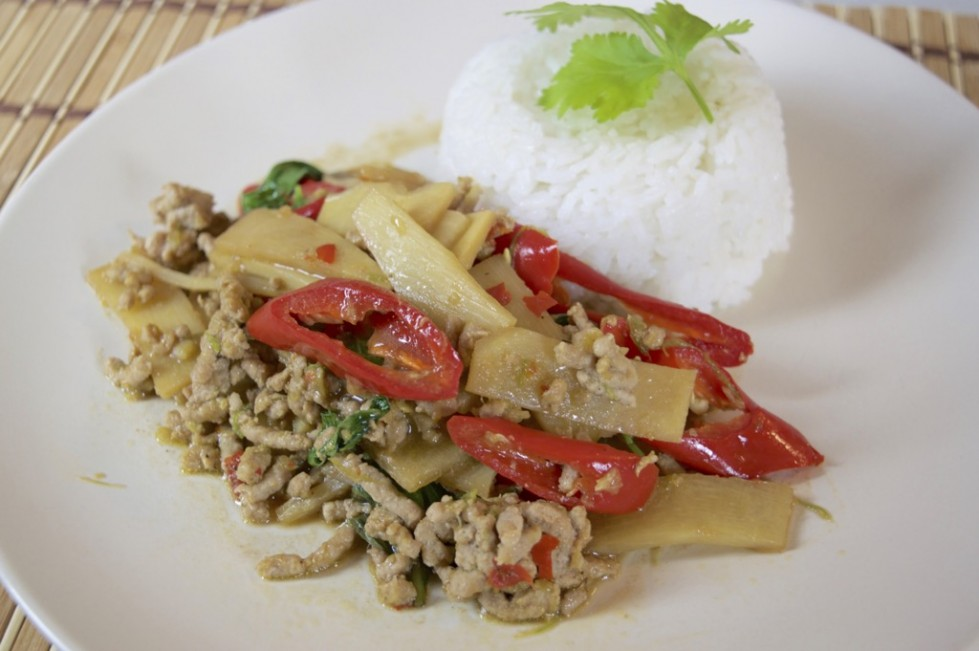 spicy pork and bamboo shoot stir fry recipe