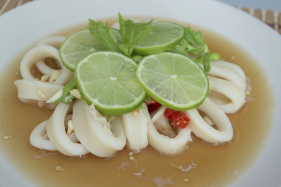 steamed squid in lime sauce