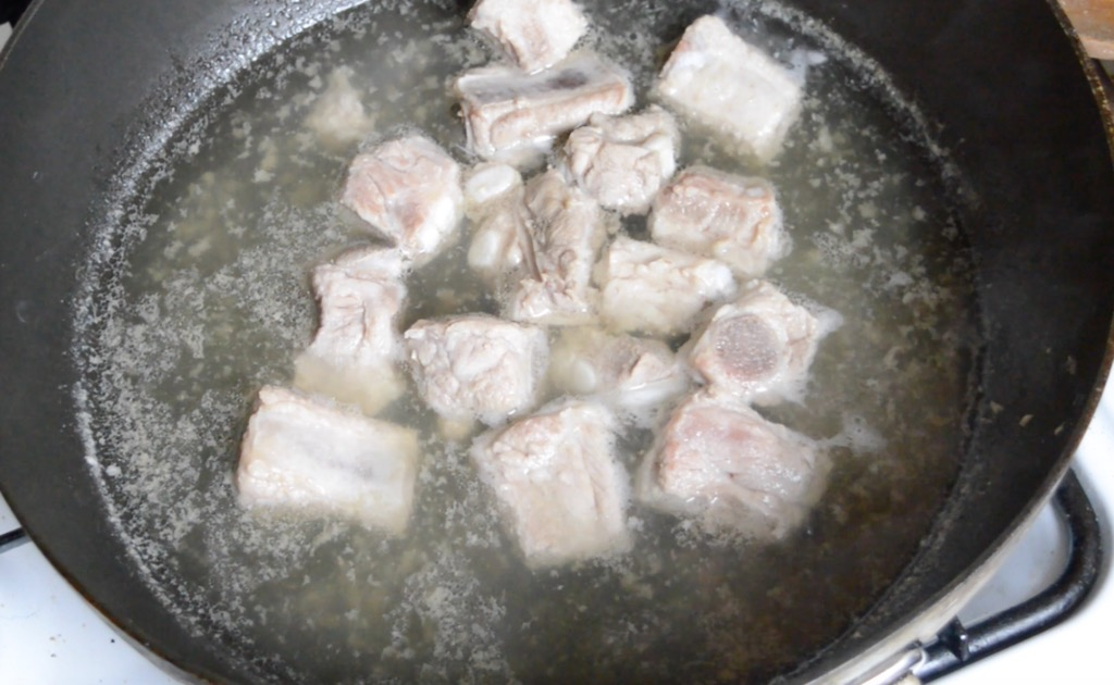 slow cooking the spare ribs