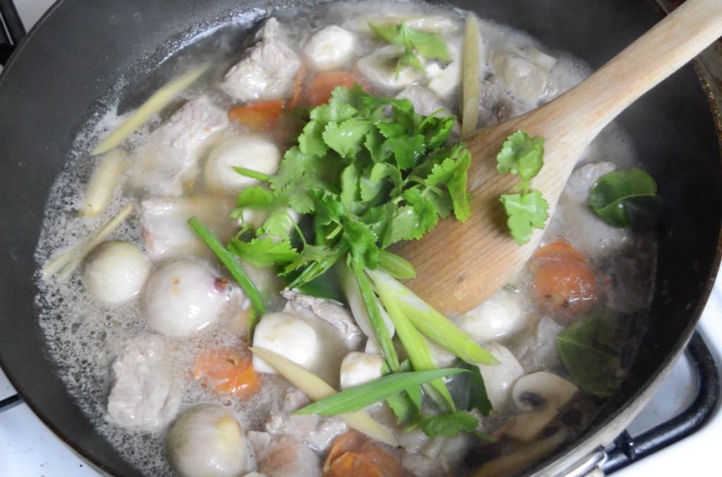 thai spicy spare rib soup