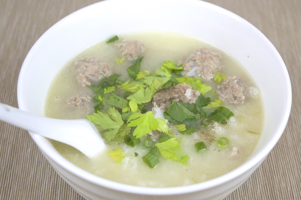 thai rice soup with pork ribs