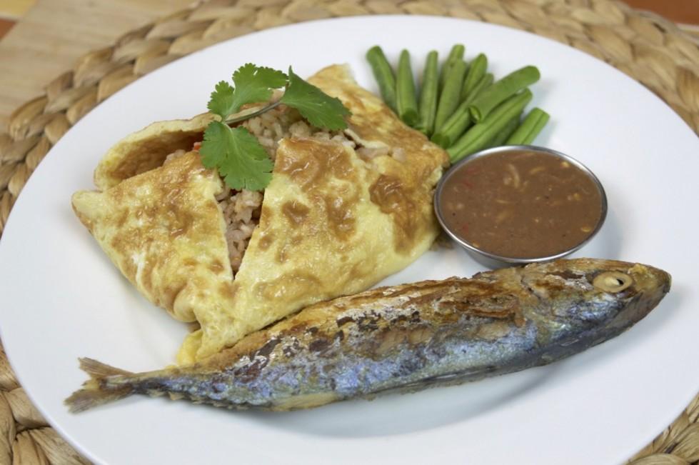 how to make Shrimp Paste Fried Rice With Mackerel